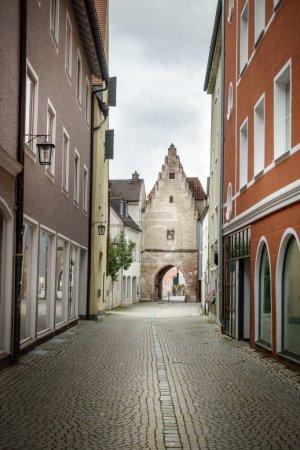 Photo pour Immeubles résidentiels et la petite ruelle, Allemagne - image libre de droit
