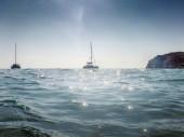 """Постер, картина, фотообои """"Живописный вид лодки на острове Милос в Греции"""""""