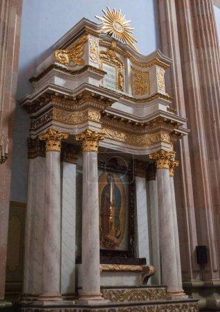 Photo pour Lagos de Moreno, Jalisco, Mexique, Centre historique architecture, façade de l'église - image libre de droit