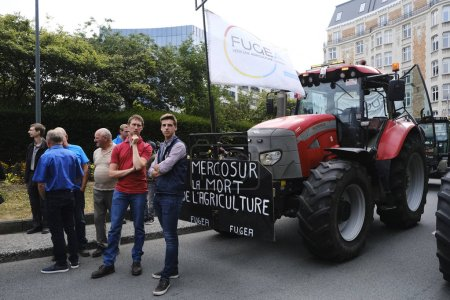 Brussels, Belgium. 11th July 2019. Tractors are se...