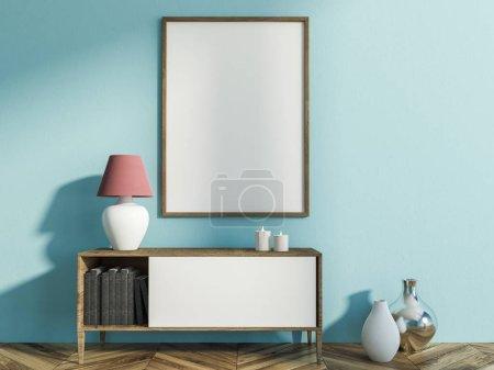Photo pour Intérieur du salon élégant avec des murs bleus clair, plancher en bois avec vases là-dessus, un meuble avec des livres, des bougies et lampe et maquettes verticale image postérisée. rendu 3D - image libre de droit