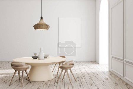 Photo pour Intérieur moderne de la salle à manger avec murs blancs, sol en bois, table ronde avec vases et affiche maquette verticale. Rendu 3d - image libre de droit