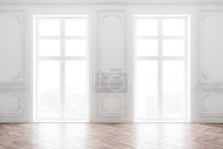 Photo pour Intérieur de chambre blanche vide de style classique avec murs blancs, sol en bois et deux grandes fenêtres avec vue sur le pays. Rendu 3d - image libre de droit