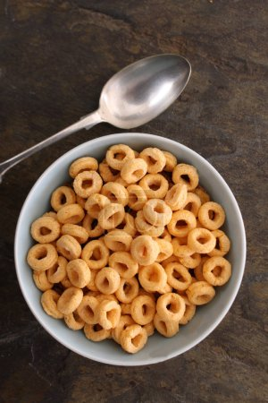 loose breakfast cereal in bowl