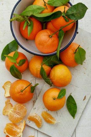 Photo pour Fruits orange clémentine sur la table - image libre de droit