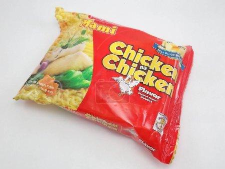 Photo pour MANILA, PH - SEPT 7 - Lucky me chicken mami nouilles le septembre 7, 2020 à Manille, Philippines. - image libre de droit