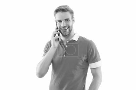 Soyez communicatif. Un gars heureux parle sur son portable. Communication mobile. Communication cellulaire. Communication téléphonique. Technologies de communication. La vie moderne