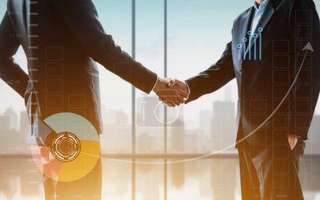 Gente de negocios haciendo apretón de manos, negociación exitosa y agr
