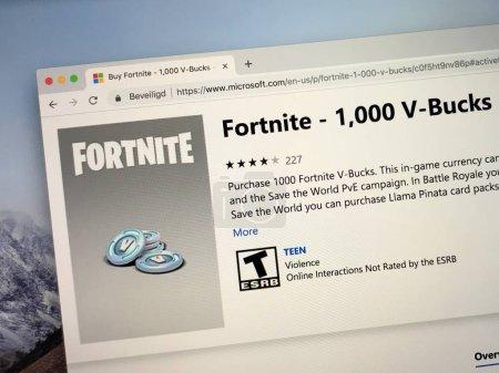 Photo pour Amsterdam, Pays-Bas - 30 septembre 2018: site Web de Microsoft stocker publicité pour V Bucks, bataille Royale Fortnite et monnaie du jeu. - image libre de droit