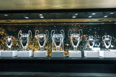 Photo pour Madrid, Espagne - 2016, le 2 février. Champions League du Real Madrid club de football, Trophée tableau d'affichage - image libre de droit