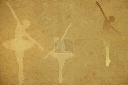 Photo pour Silhouettes de danseuses de ballet portant des tutus et des notes de musique sur un papier beige de riz fond texturé. - image libre de droit