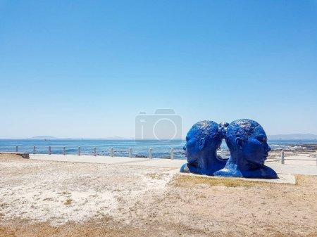 Photo pour Statue des têtes bleues au Cap. Art de l'Afrique du Sud. Promenade Sea Point - image libre de droit