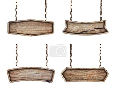 Photo pour Ensemble de panneaux en bois avec chaîne sur fond blanc - image libre de droit