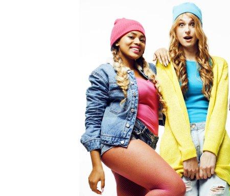 Photo pour Groupe de filles nation diversifiée, compagnie d'amis adolescents gai s'amuser, sourire heureux, pose mignonne isolé sur fond blanc, concept de gens style de vie gros plan - image libre de droit