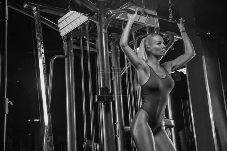 Sexy fitness woman in sport wear with perfect fitn...