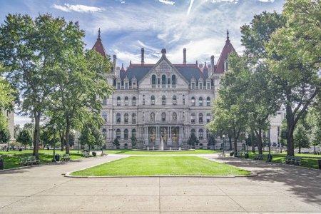 Photo pour Albany, New York - 27 septembre 2018: The New York State Capitol Building à Albany, maison de l'Assemblée d'état de New York. - image libre de droit