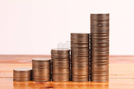 Photo pour Graphique des pièces de monnaie finance stock et concept d'affaires - image libre de droit