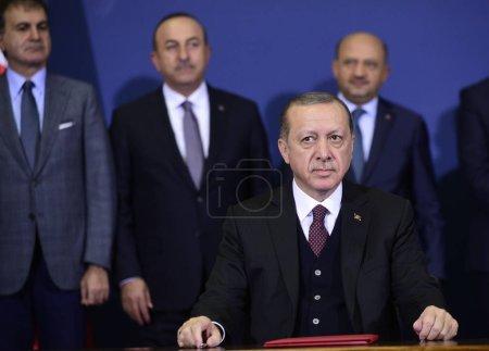 Photo pour Belgrade, Serbie - 10 octobre 2017: Le président turc Recep Tayyip Erdogan lors de sa visite officielle de deux jours en Serbie - image libre de droit