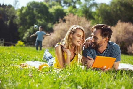 Good relationship. Inspired blond woman talking wi...