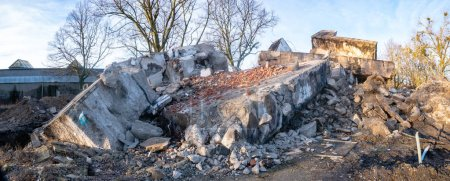 Photo for Destroyed building - concret and metal debris of a destroyed building - Royalty Free Image