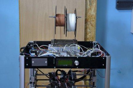 Photo pour Équipement professionnel spécial pour l'impression 3D programmable - image libre de droit