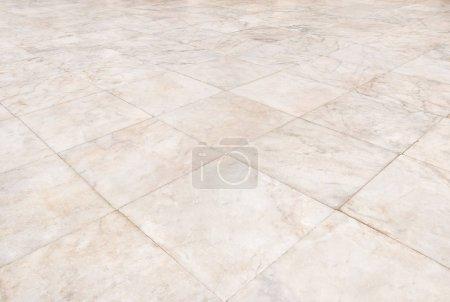 Foto de Patrón de azulejo de piso de mármol real de fondo, vista en perspectiva. - Imagen libre de derechos