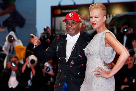 Photo for VENICE, ITALY - AUGUST 31:  Spike Lee and Tonya Lewis Lee attend the premiere of the movie 'A Star Is Born' during the 75th Venice Film Festival on August 31, 2018 in Venice, Italy. - Royalty Free Image