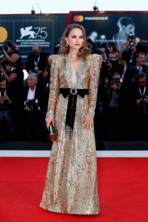 Photo for VENICE, ITALY - SEPTEMBER 04: Natalie Portman walks the red carpet of the movie 'Vox Lux' during the 75th Venice Film Festival on September 4, 2018 in Venice, Italy. - Royalty Free Image