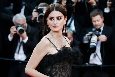 Photo for CANNES, FRANCE - MAY 08: Penelope Cruz attends the screening of 'Everybody Knows' and the opening gala during the 71st Cannes Film Festival on May 8, 2018 in Cannes, France. - Royalty Free Image