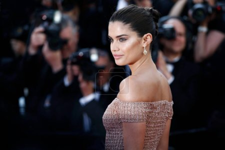 Photo for CANNES, FRANCE - MAY 12: Sara Sampaio attends the screening of 'Girls Of The Sun' during the 71st Cannes Film Festival on May 12, 2018 in Cannes, France. - Royalty Free Image