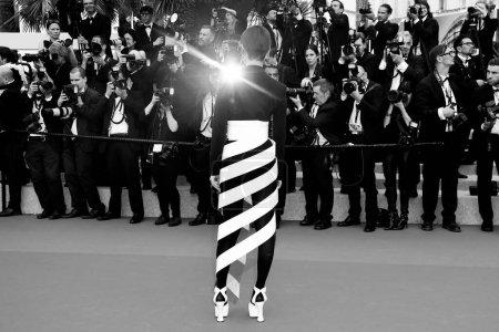 Photo pour CANNES, FRANCE - 09 MAI : Li Yuchun assiste à la projection de 'Yomeddine' lors du 71ème Festival de Cannes le 9 mai 2018 à Cannes, France. - image libre de droit