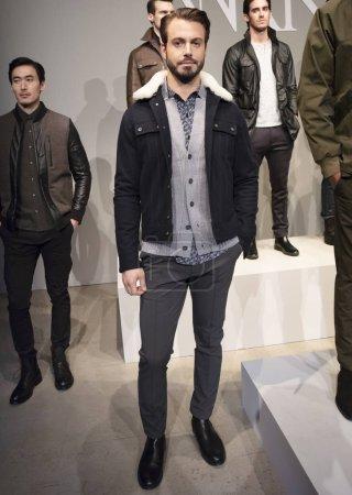 Photo pour NEW YORK, NY - 05 février 2018 : Un mannequin pose au W.R.K. Présentation lors de la Fashion Week Homme New York F / W 2018 - image libre de droit
