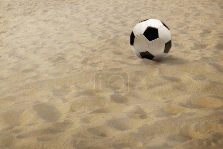 Foto de Pelota de fútbol sobre arena - Imagen libre de derechos