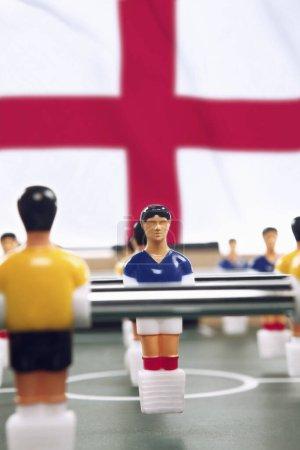 Photo pour Gros plan des figurines de football de table - image libre de droit