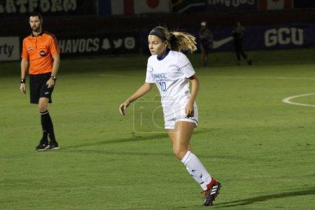 Photo pour Lindsey Prokop en avant pour l'Université du Missouri Kansas City au GCU Stadium à Phoenix, AZ / USA 11 oct. 2019 . - image libre de droit