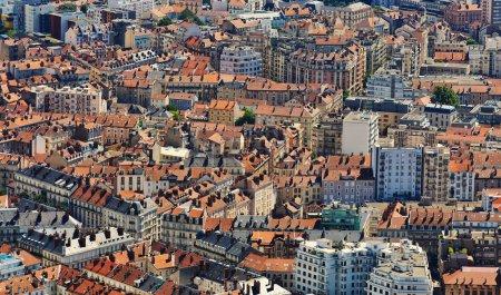 Photo pour Architecture de bâtiments. Vue de dessus, de Fort Bastille à Grenoble, France - image libre de droit