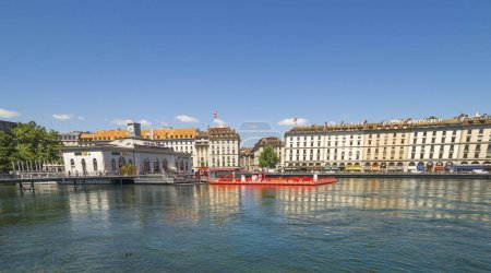 Photo pour GENEVA, SWITZERLAND - JULY 9, 2015. View of Geneva , Switzerland. - image libre de droit