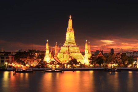 Photo for Thailand Bangkok Wat Arun Ratchawaramahawihan in the night - Royalty Free Image