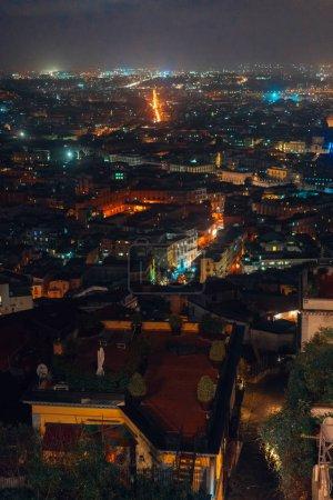 Photo pour Panorama de la ville nocturne vue de dessus . - image libre de droit
