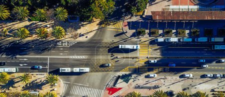 Photo pour Vue aérienne de la ville. Rue de la ville depuis les airs. - image libre de droit