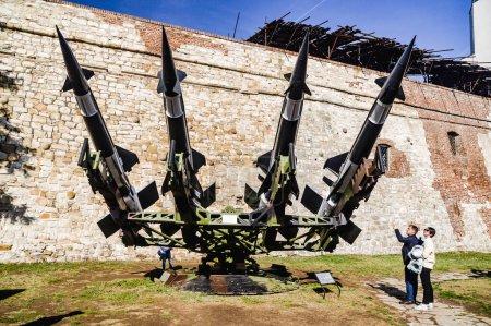 BELGRADE, SERBIA, 27 de octubre de 2017: Sistema antimisiles Neva, expuesto en el Museo Militar de Belgrado, Serbia.