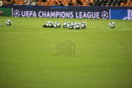 Photo pour VALENCIA, ESPAGNE - 02 OCTOBRE 2019 : Balle officielle lors du match de Ligue des Champions de l'UEFA entre Valencia CF et l'AFC Ajax au stade Mestalla - image libre de droit