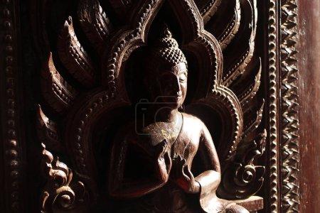 Photo pour Statue de bouddha dans le temple bouddhiste, thailand - image libre de droit