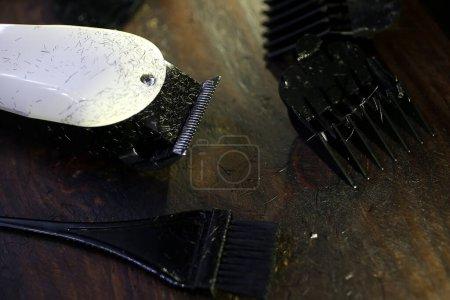Photo for Barber comb tools, shaving razor - Royalty Free Image