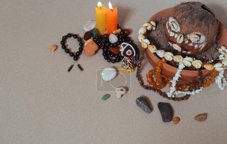Ołtarz okultystyczny dla afrykańskich bogów. Szamanizm