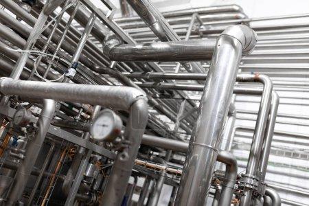 Photo pour Matériel de fabrication d'usine trouvé en processus intérieur de production de l'industrie - image libre de droit