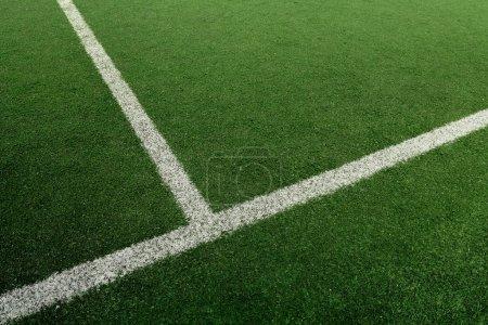 Photo pour Terrain de football ou de football avec ligne blanche - image libre de droit
