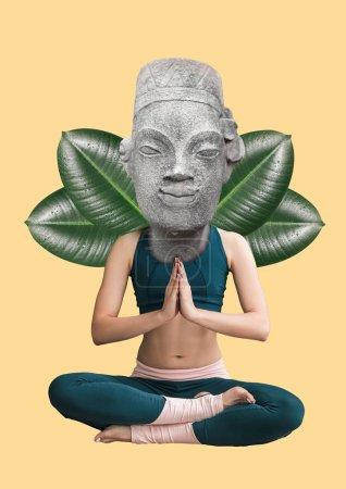 Photo pour Rester calme et concentré. Concept de physiologie. Fille assise en position bouddha dirigé par une statue avec des feuilles vertes sur fond jaune clair. Design moderne. Collage d'art contemporain . - image libre de droit