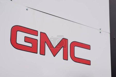 Photo pour Bordeaux, Aquitaine / France - 10 17 2019 : Gmc car Automobile shop Dealership Sign store logo - image libre de droit