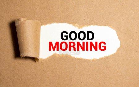 Photo pour Bonjour souhaits dans une enveloppe déchirée. - image libre de droit